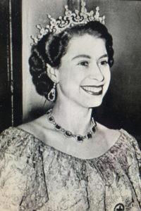 Image of Queen Elizabeth II illustrating the Queen's English and BBC accent spoken in Britain during the twentieth century